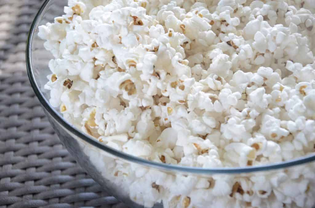 best foods for breastfeeding: popcorn