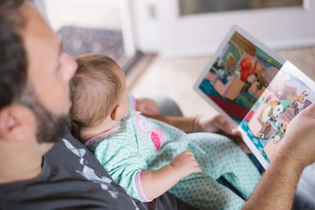 activites with your 0-3 month old baby - read